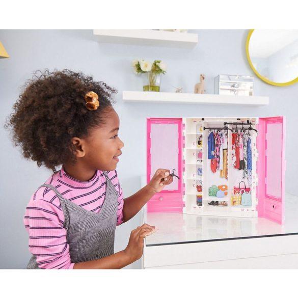 Accesorii Barbie Dulapiorul cu Umerase 3