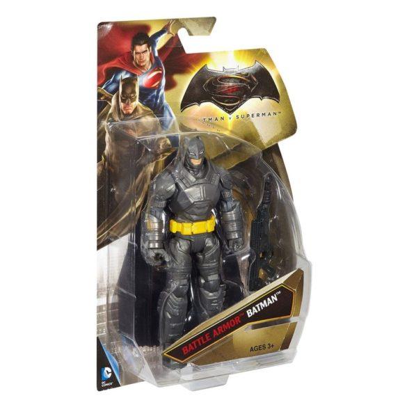 Batman v Superman Figurina Batman cu Armura de Lupta 4