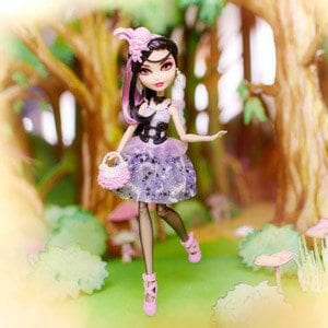 Ever After High Papusa Duchess Swan