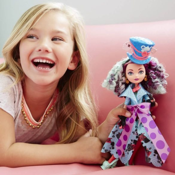 Ever After High Way Too Wonderland Papusa Madeline Hatter 2