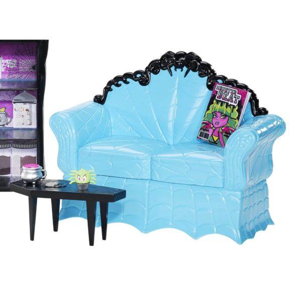 Monster High Cafeneaua Coffin Bean si Clawdeen Wolf 4