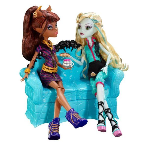 Monster High Cafeneaua Coffin Bean si Clawdeen Wolf 5