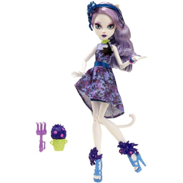 Monster High Colectia Gloom and Bloom Papusa Catrine DeMew 1