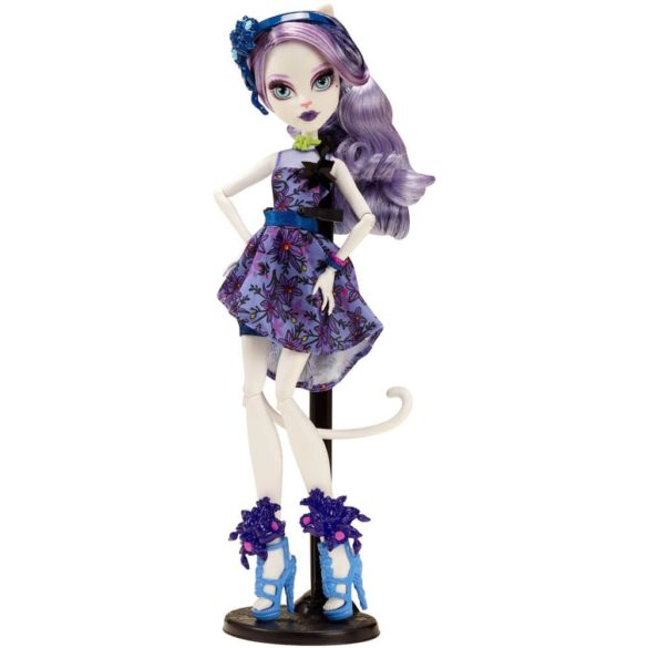 Monster High Colectia Gloom and Bloom Papusa Catrine DeMew 2