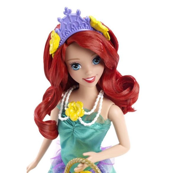 Printesele Disney la Plimbare Papusa Ariel 4