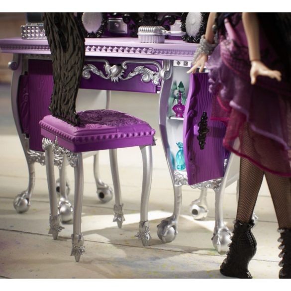 mobilier ever after high dormitorul rebel raven queen 2