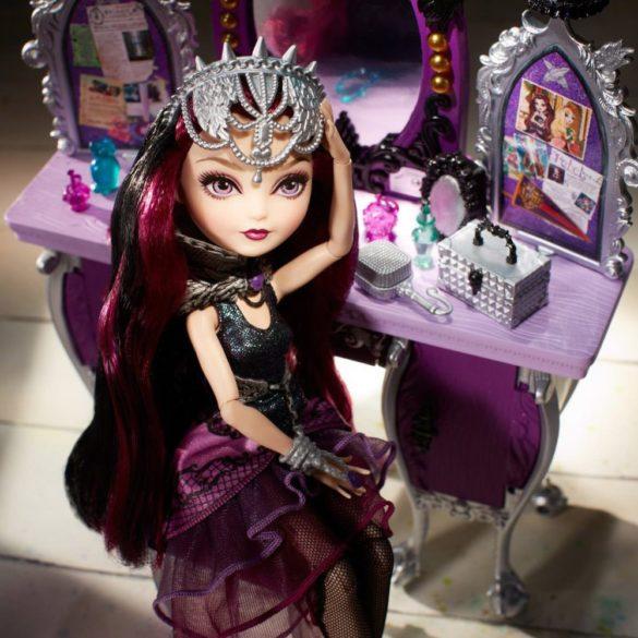 mobilier ever after high dormitorul rebel raven queen 7