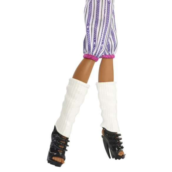 monster high colectia ghoul sports papusa clawdeen wolf 4