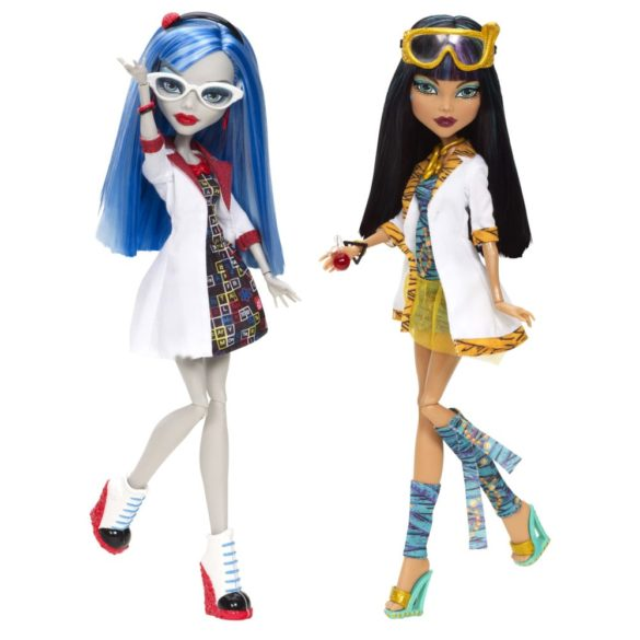 monster high papusi in clasa cleo de nile si ghoulia 1