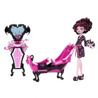 Monster High Papusa Draculaura si Camera de Relaxare