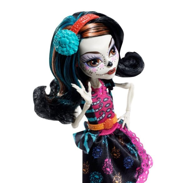 Papusa Skelita Monster High Ora de Arta 3