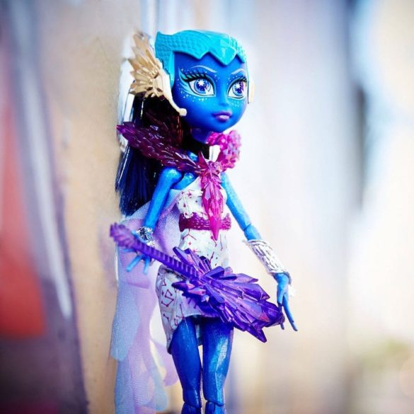 Monster High Statia de Plutire si Papusa Astranova 4