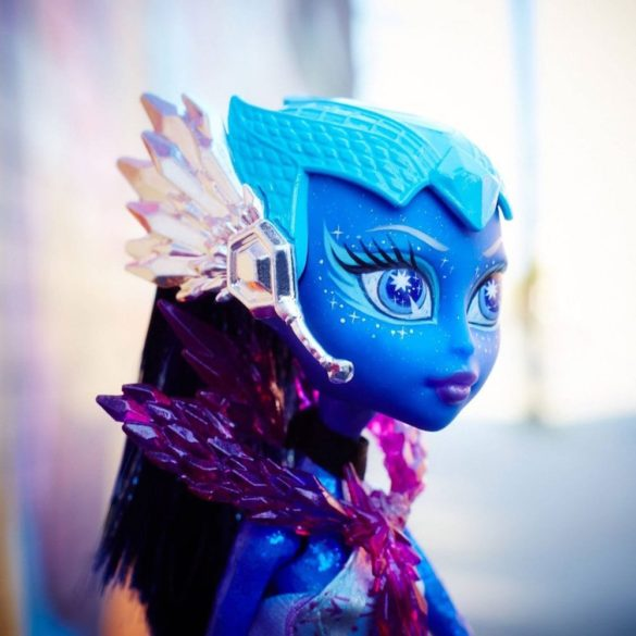 Monster High Statia de Plutire si Papusa Astranova 5