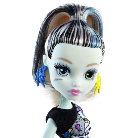 Papusa Frankie Stein Colectia Clasica Monster High 2