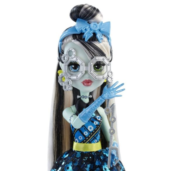 Papusa Frankie Stein Monster High Dance the Fright Away 4
