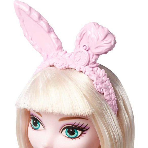 Papusa Bunny Blanc Ever After High Clubul Arcasilor 5