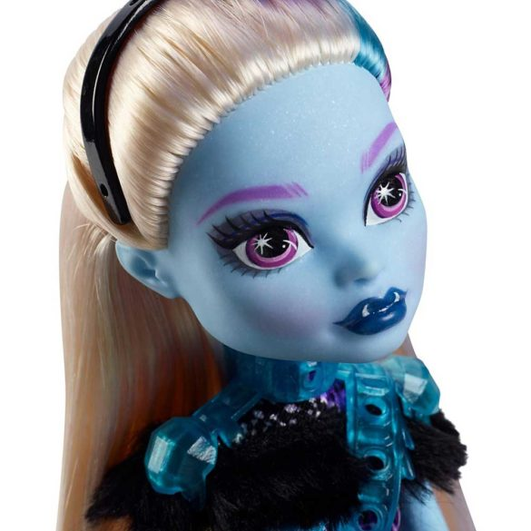 Monster High Petrecerea Elevilor Papusa Abbey Bominable 3