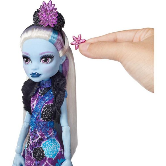 Monster High Petrecerea Elevilor Papusa Abbey Bominable 4