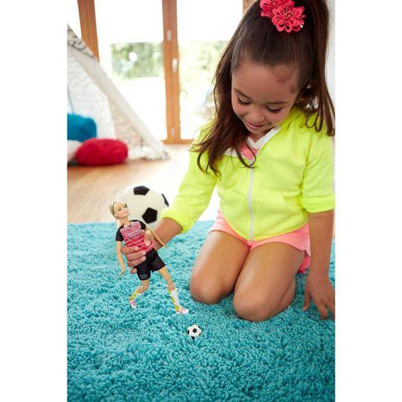 Papusa Barbie Made to Move Fotbalista 4