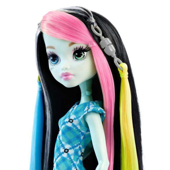 Monster High Papusa Frankie Stein cu Accesorii de Par 3