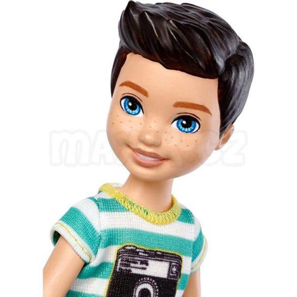 Barbie si Clubul Fluturasilor Papusa Baietel cu Inghetata 2