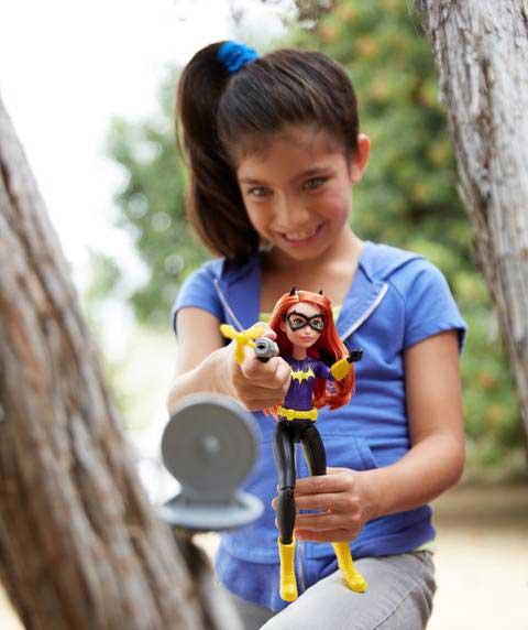 DC Super Hero Girls Actiunea de Distrugere Papusa Batgirl