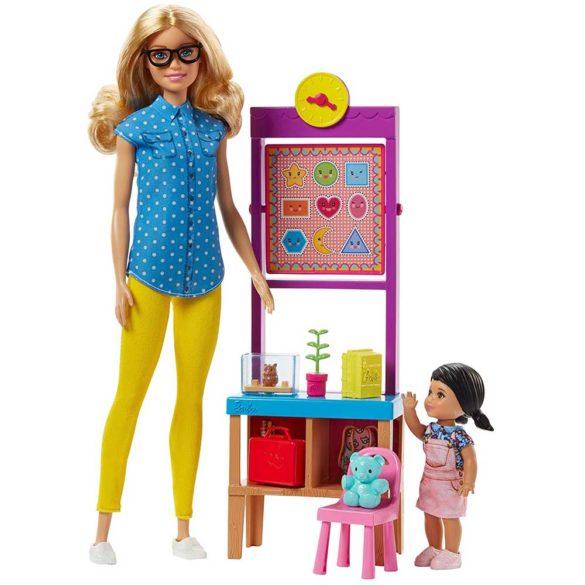 Papusa Barbie si Setul de Joaca Profesoara 1