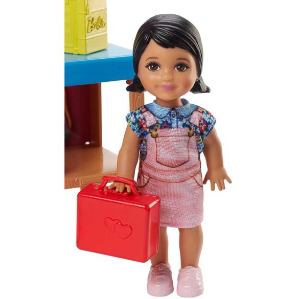Papusa Barbie si Setul de Joaca Profesoara 3