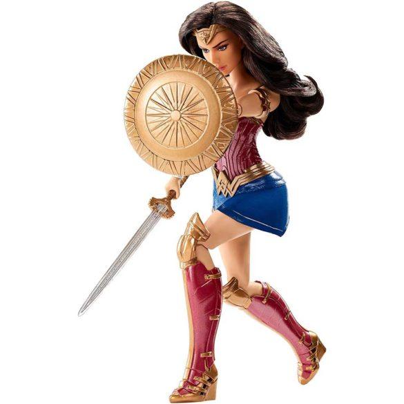 Papusa Wonder Woman cu Scut si Sabie 1