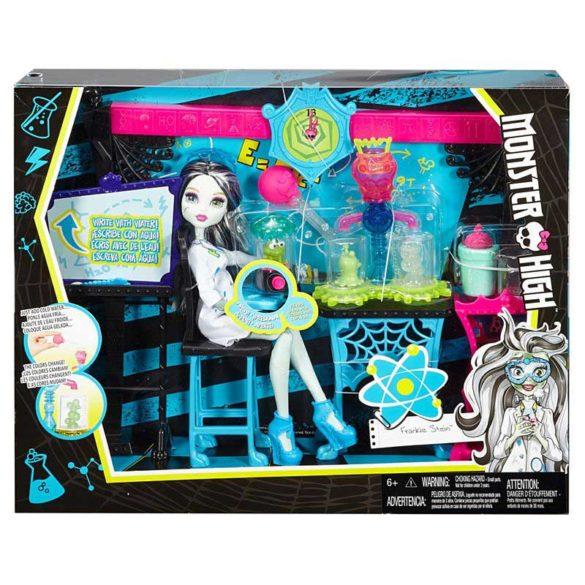Monster High Laboratorul de Stiinta si papusa Frankie Stein 7