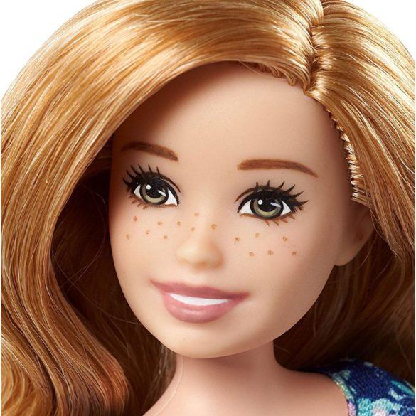 Barbie Babysitter Papusa cu Pistrui si Rochita Inflorata 3