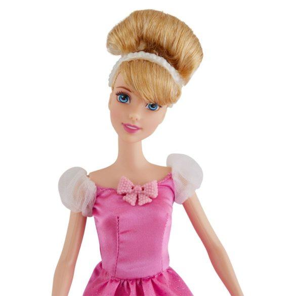 Papusa Disney Cenusareasa si Figurina Soricel Suzy 3