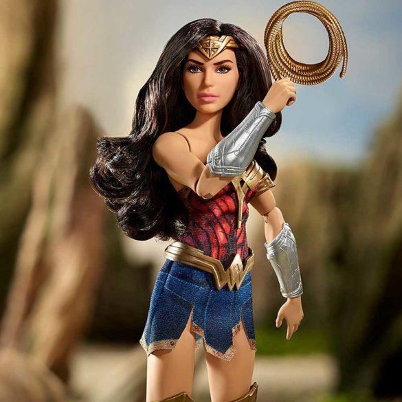 Papusa Wonder Woman cu Lasoul Adevarului 6