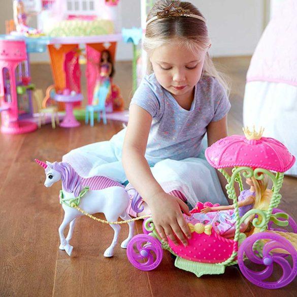 Set de Joaca Mattel Barbie Dreamtopia Papusa si Trasura Sweetville 4