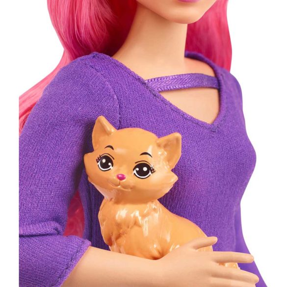 Barbie in Calatorie Papusa Daisy cu Accesorii 4
