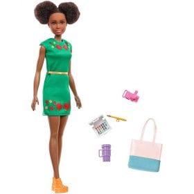 Barbie in Calatorie Papusa Nikki cu 5 Accesorii