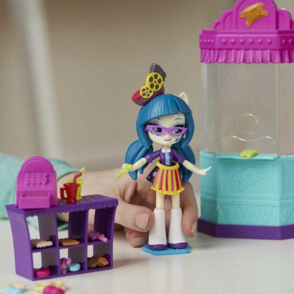 My Little Pony Sala de Cinema si Papusa Juniper Montage 7