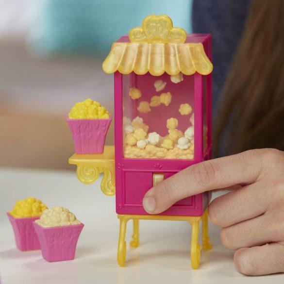 My Little Pony Sala de Cinema si Papusa Juniper Montage 8