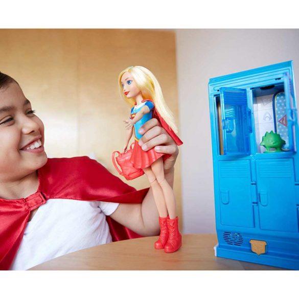 Papusa Supergirl si Mobilierul Vestiar DC Super Hero Girls 8
