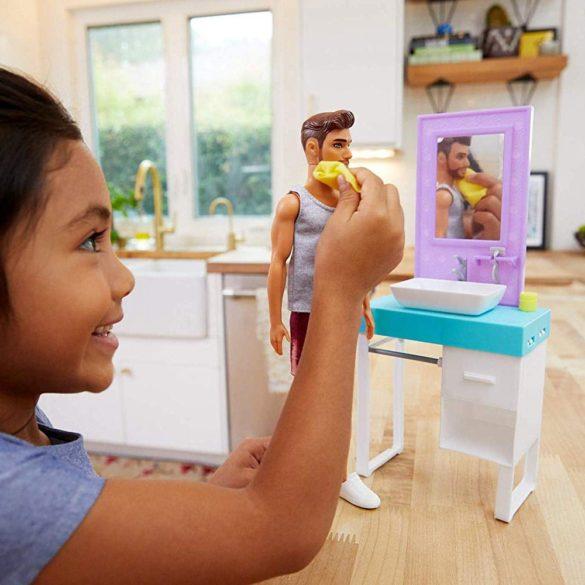 Barbie Papusa Ken cu Barba si Setul de Baie 9