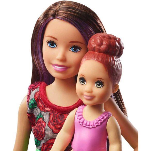 Barbie Skipper Babysitters Papusa si Setul de Joaca la Baie 3