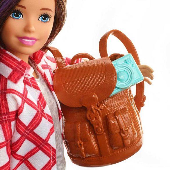 Barbie in Calatorie Papusa Skipper cu 4 Accesorii 5
