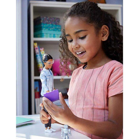 Papusa Barbie Inginer Robotica Robotics Engineer 7