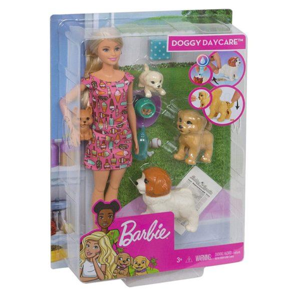 Set de joaca Mattel Barbie Papusa si animale de companie 10