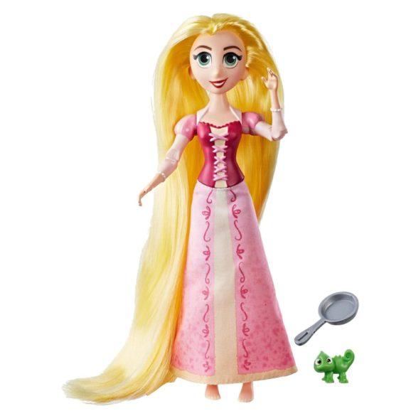 Disney Tangled O Poveste Incalcita Papusa Rapunzel si Pascal 1