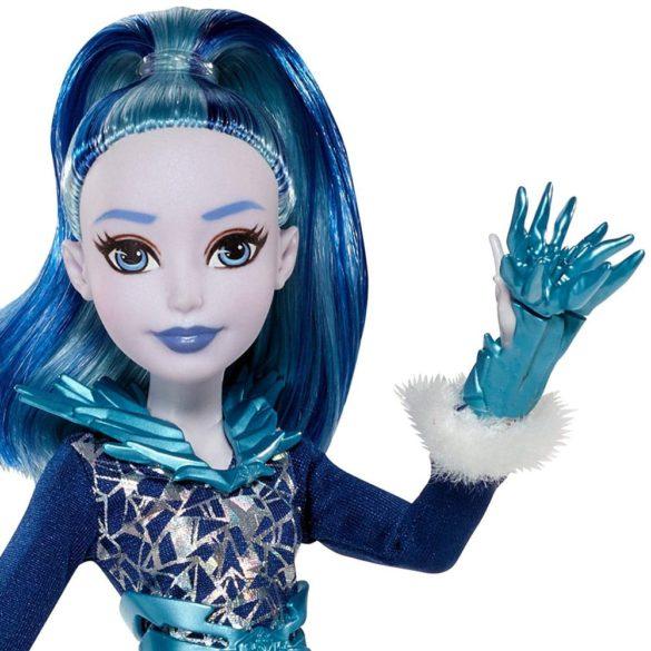 Papusa Frost DC Super Hero Girls 4