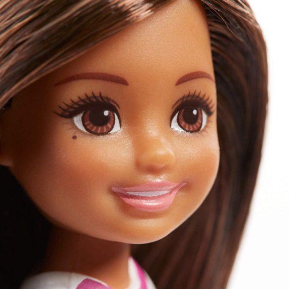 Barbie si Clubul Fluturasilor Papusa Chelsea si Iepuras 3