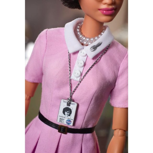 Papusa de Colectie Barbie Inspiring Women Katherine Johnson 5