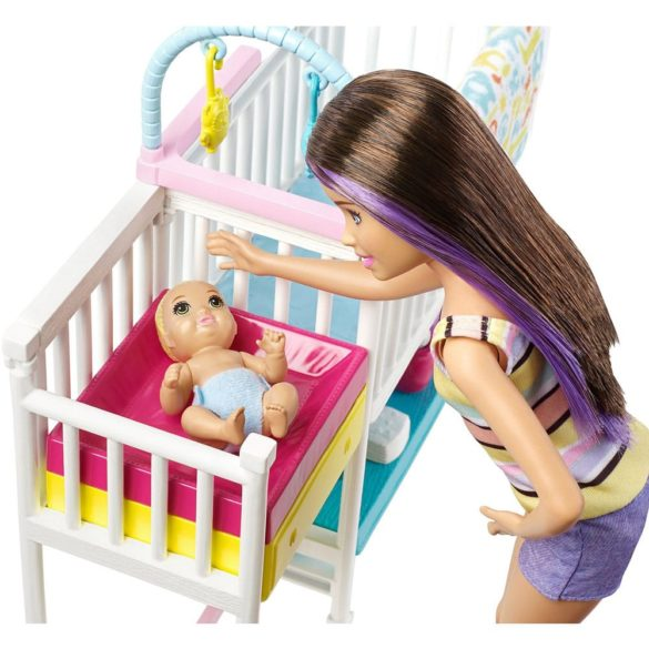 Barbie Babysitters Set de Joaca cu Papusa si Bebelusi 8