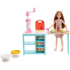 Barbie Set de Joaca Stacie si Micul Dejun